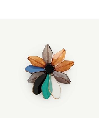 Yargıcı Çiçek Desenli Broş Renkli